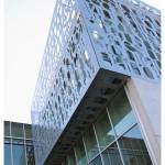 vue facade aluminium decoupee au jet d'eau
